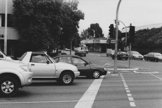 Adelaide-Street-Photography---Cars-At-Traffic-Junction